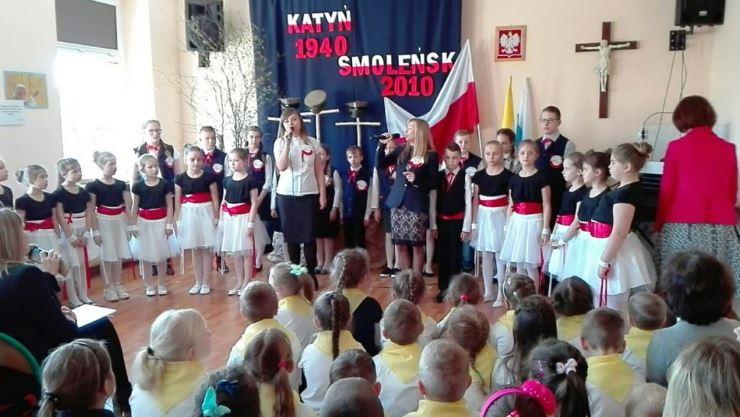 Tablice upamiętniające Katyń i Smoleńsk